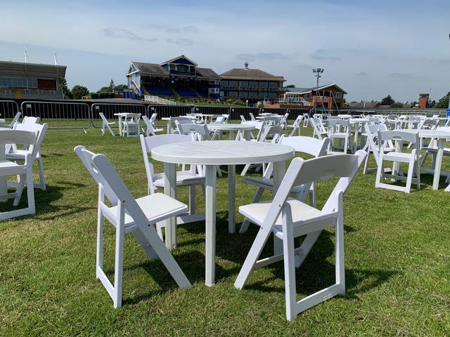 Leicester Racecourse Ladies Day Chair Hire